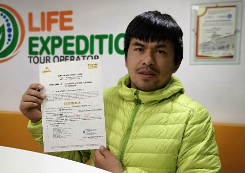 About Us-Life Expeditions tour operator